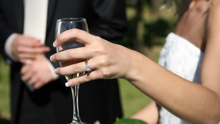 Wedding Champagne.JPG